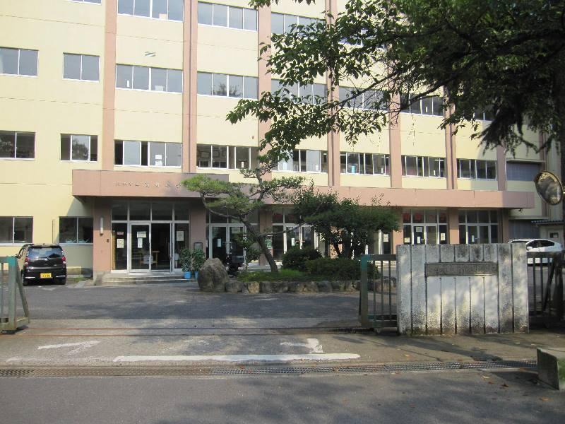 南郷小学校