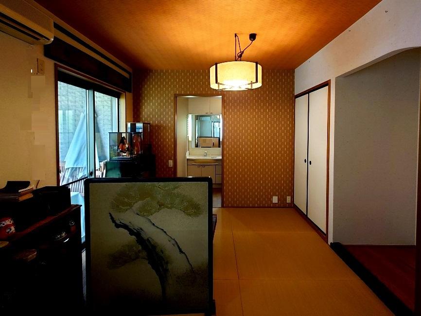 1階リビング・和室からサニタリー