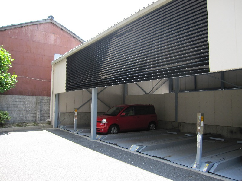 屋根付き分譲駐車場