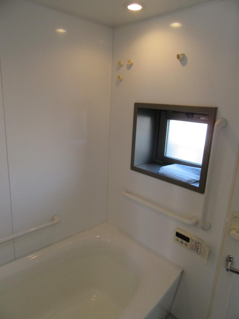 浴室に窓あり