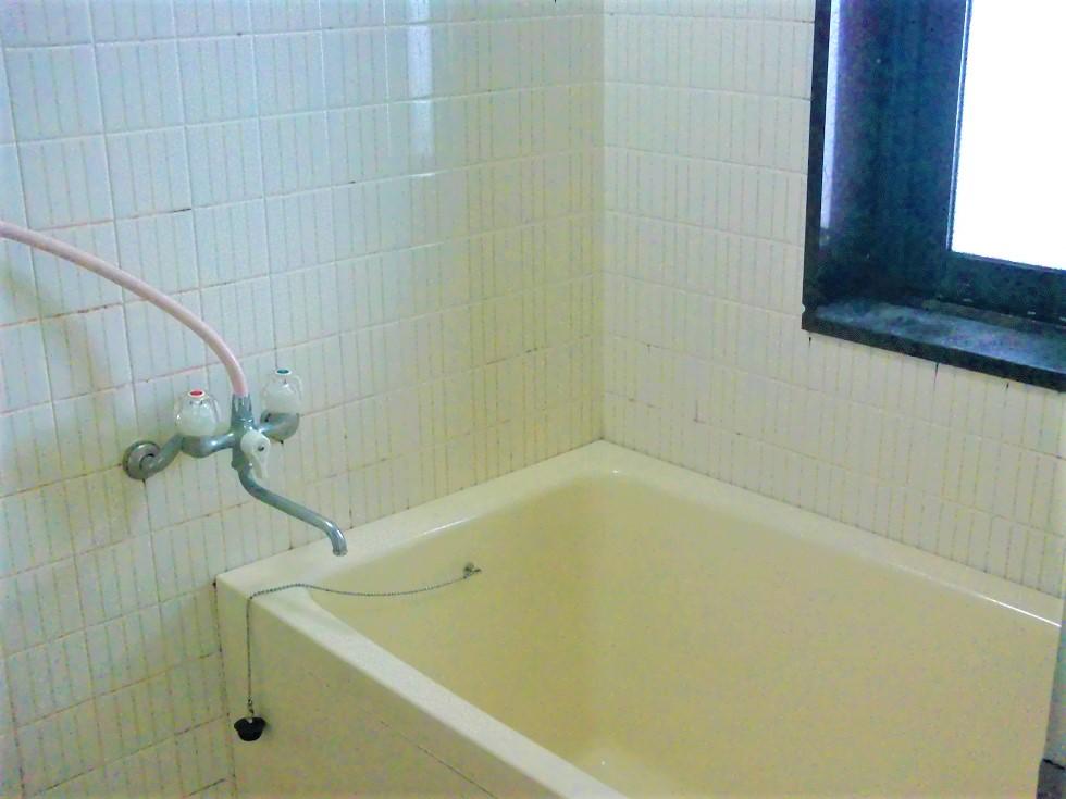 窓付きの風呂