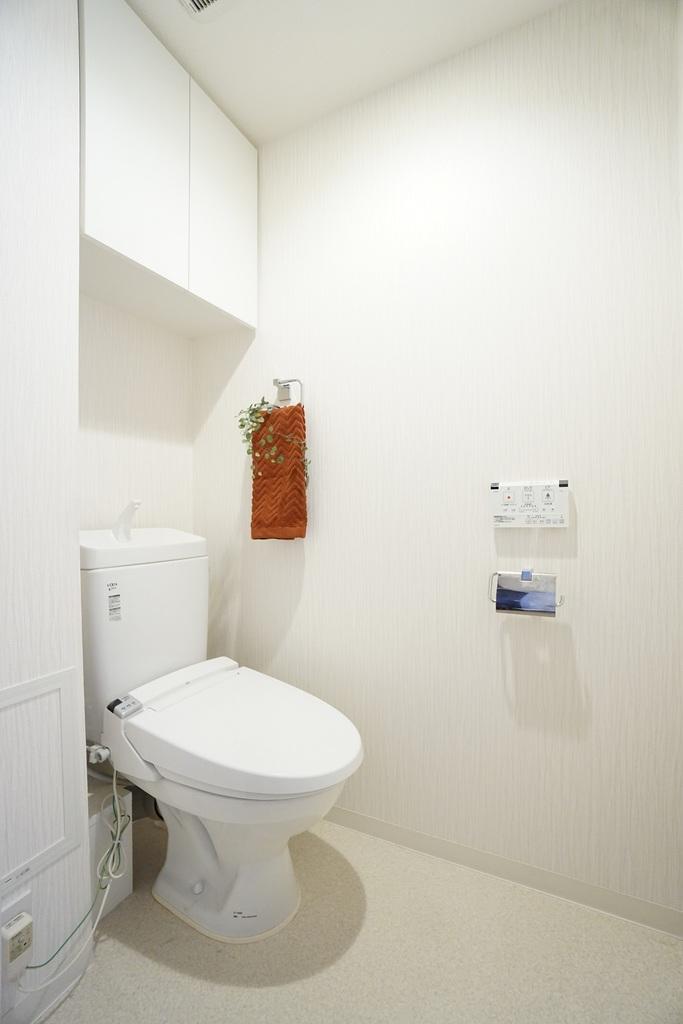 清潔感あるトイレ雰囲気です。